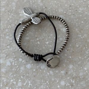 Uno de 50 Dragonfly Leather Bracelet